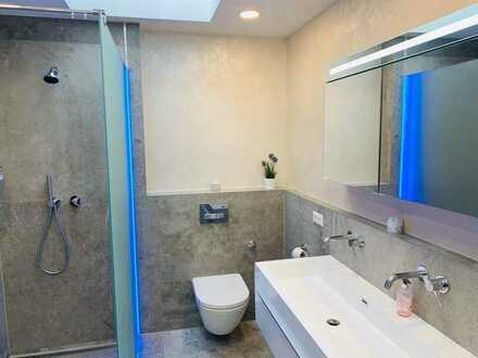 Frei ab August - vollmöbliertes Luxus WG Zimmer mit Klimaanlage - 2 Badezimmer + Küche