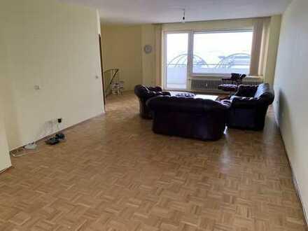Gepflegte 4-Zimmer-Maisonette-Wohnung mit Balkon und EBK in Heidelberg-Emmertsgrund