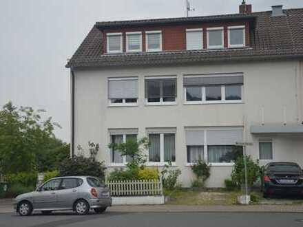 Freundliche, gepflegte 3-Zimmer-Dachgeschosswohnung zur Miete in Dietzenbach HXB.
