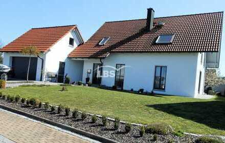 Attraktiv gelegenes und gestaltetes Einfamilienhaus mit ELW im Speckgürtel von Amberg - Traumhaft!
