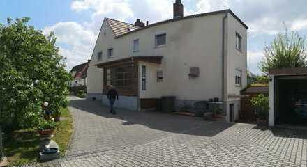 Schönes Haus mit fünf Zimmern in Schwandorf (Kreis), Schwandorf