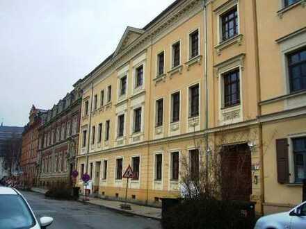 --- Super- Single – Wohnung – mit eigener Terrasse – am Schloss Osterstein ---