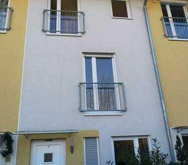 Schönes, geräumiges Haus mit vier Zimmern in München (Kreis), Aschheim