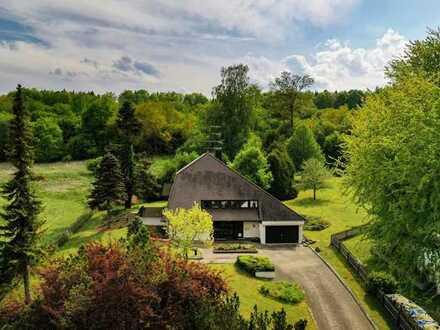 Walmdach-Villa mit 4.918 m² Traumgrundstück im Siebenmühlental !