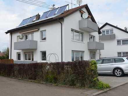 Traumhafte 4 Zimmer Wohnung mit 3 Balkonen und 2 Stellplätzen