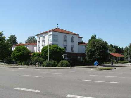 Büro - Praxis, im Ärzte- Gesundheits- Gewerbehaus Burgau