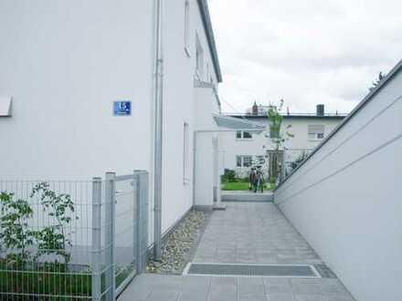 In Audinähe! Moderne, lichtdurchflutete Obergeschoßwohnung mit EBK