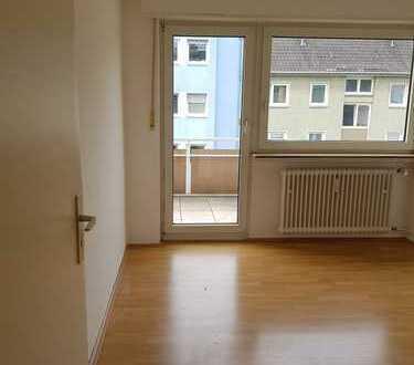 kompakt geschnittene 2 ZKB-Wohnung Ma-Lindenhof / nicht WG-geeignet