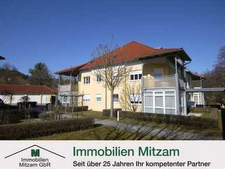 Kapitalanlage: Top Gepflegte 3-Zimmer-Obergeschoss-Wohnung mit Carport in bester Lage von Beilngries