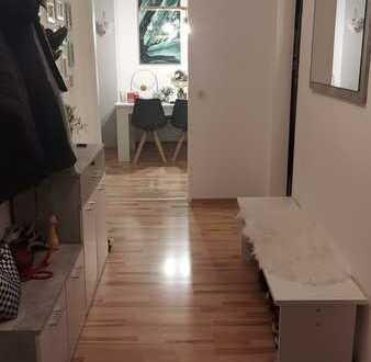 Schöne 2-Zimmer-EG-Wohnung mit Balkon in schefflenz