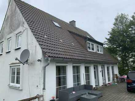 Kernsanierter 2 Familienhaus mit Einliegerwohnung