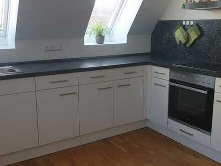 Exklusive, neuwertige 3-Zimmer-Maisonette-Wohnung mit EBK in Unterensingen