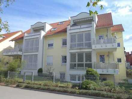 Schöne, geräumige drei Zimmer Maisonetten-Wohnung in Böblingen direkt am oberen See