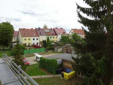 TOP-Wohnung mit großem Südbalkon im Stadtteil West - auch WG-geeignet