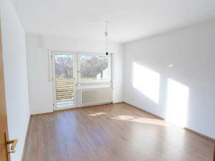 Erstbezug nach Renovierung mit Balkon: attraktive 3-Zimmer-Wohnung in Bad Schönborn