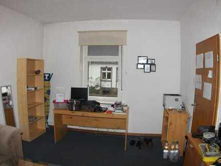 Schönes WG-Zimmer mit 2 Räumen, Kreuztal-Buschhütten (möbiliert) ab 15.03. wahlweise auch 01.04.