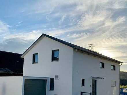Erstbezug: innovatives 5-Zimmer-Einfamilienhaus mit Einbauküche in Emersacker