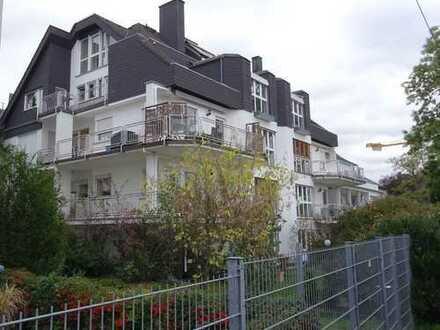 Gepflegte 5-Zimmer-Hochparterre-Wohnung mit großem Sonnenbalkon in Koblenz-Metternich