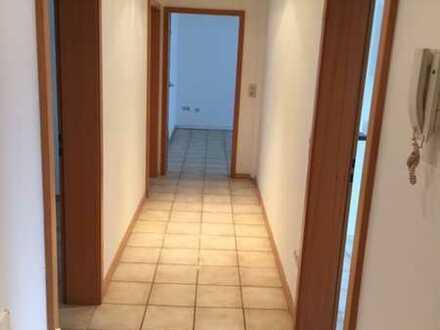 Schöne 3-Zimmer-Wohnung mit großer Terrasse und EBK in Heidelberg