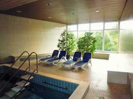 voll möblierte 1,5-Zimmer-Terrassenwohnung mit Schwimmbad und Sauna im Haus