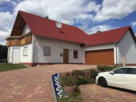 Einfamilienhaus in schöner und ruhiger Lage, besonders geeignet als behindertengerechtes Wohnen
