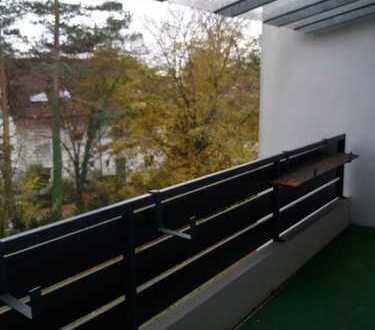 Modernisierte 3-Zimmer-Wohnung mit Balkon in Stockdorf