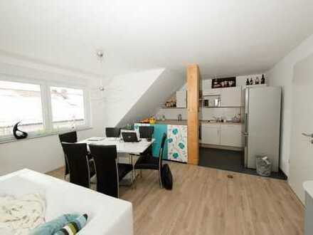 Großz. Maisonettewohnung (4Zi.) mit großem Balkon+EBK in Herzogenaurach zentrumsnah, prov.frei