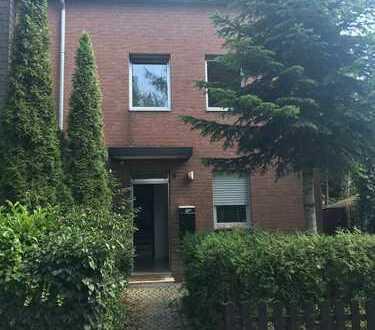 Schönes Haus mit acht Zimmern in Düsseldorf, Lichtenbroich