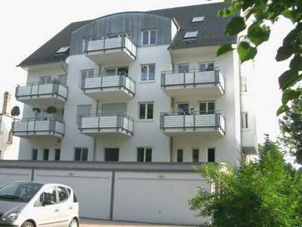 1 Zimmer-Wohnung mit EBK, Balkon, Stellplatz