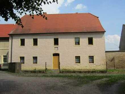 Wohnhaus (denkmalgeschützt) mit Scheune zu verkaufen!