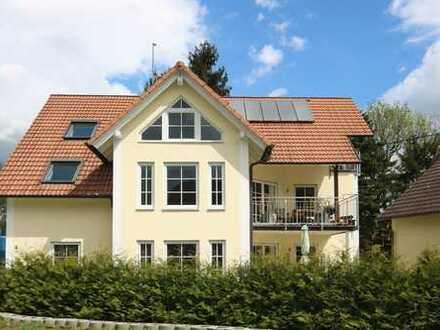 Moderne Eigentumswohnung - Maisonette mit Garten und Carport