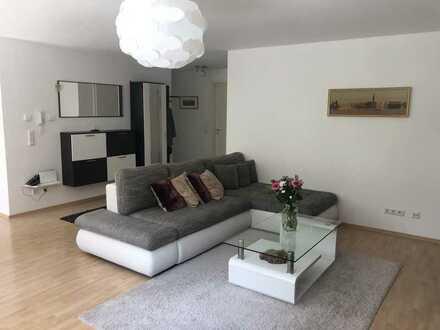 Hochwertige möblierte Wohnung in zentraler Lage mit Balkon und Garten für 2 J. zu vermieten