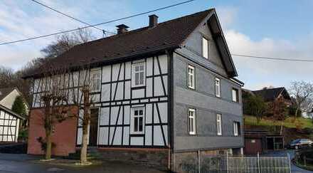 Gepflegtes Einfamilienhaus in ruhiger Lage von Reichshof-Hespert nahe der A4!