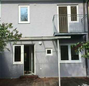 *RARITÄT* SCHICKES 4-ZIMMER-ALTBAU-STADTHAUS mit Charme, ca. 100 m² Wfl, TOP-HARLACHING
