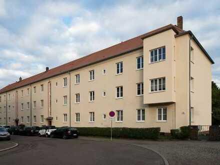 Helle, freundliche 2,5-Zimmer-Hochparterre-Wohnung mit Balkon in Leipzig