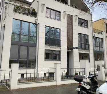 Maisonette-Wohnung mit eigenen Garten in bevorzugter Lage, Stadtvilla in Schmargendorf (Wilmersdorf)