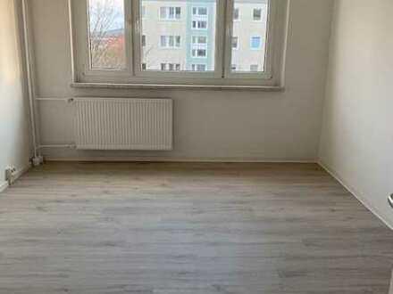 4-Zimmer-Wohnung auf Wunsch mit Einbauküche zu vermieten!