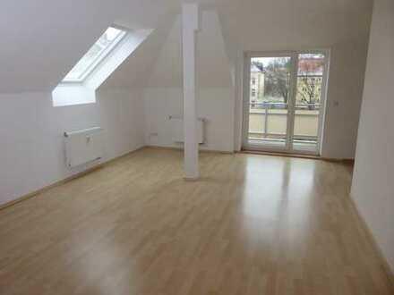 Hier stimmt alles!!! - Tolle DG-2-Raum mit Balkon und Balken in Kappel