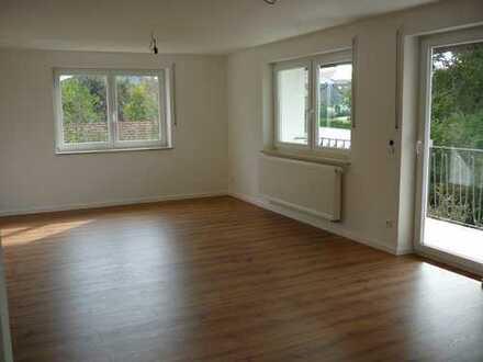 Vollständig renovierte 3,5-Zimmer-Wohnung mit Balkon in Neukirchen v. Wald