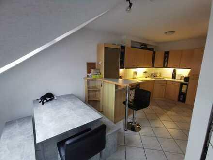 18m² WG-Zimmer in 3,5 Zi.-Maisonette-Wohnung mit DG-Studio