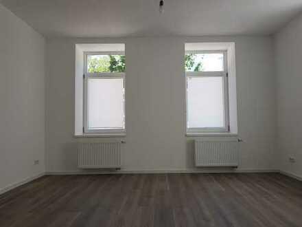 Top renovierte Wohnung in schönem Altbau ab sofort zu vermieten