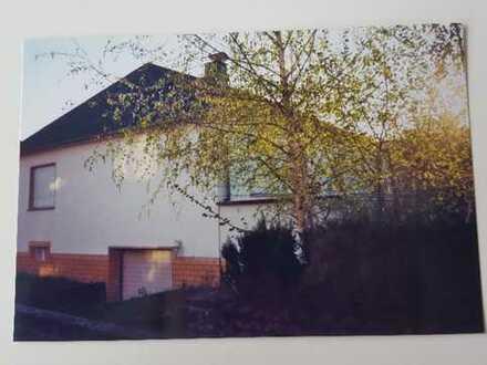 Schönes Haus mit fünf Zimmern in Limburg-Weilburg (Kreis), Elz