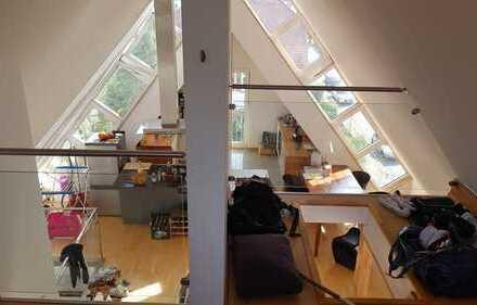 Exklusive, gepflegte 2,5-Zimmer-Maisonette-Wohnung mit Balkon und EBK in Tübingen