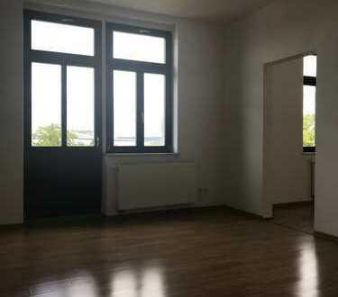 Helle geräumige 3-Raumwohnung im 2. OG rechts mit Balkon
