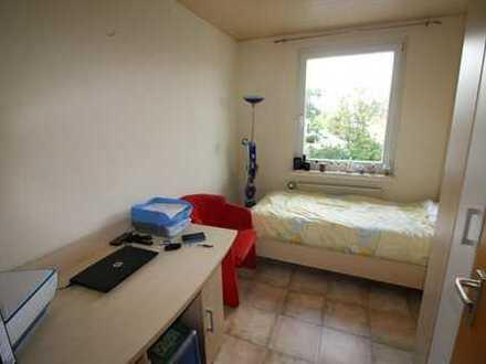 Schöne 3-Zimmer-Wohnung in Mehrfamilienhaus