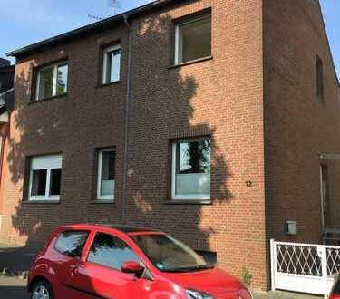 80m² Zentrumsnahe EG-Wohnung mit Einbauküche und großem Innenhof