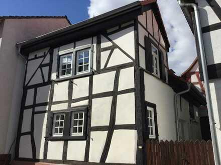 Liebevoll saniertes Fachwerkhäuschen mit Stellplatz in der Altstadt von Dreieichenhain