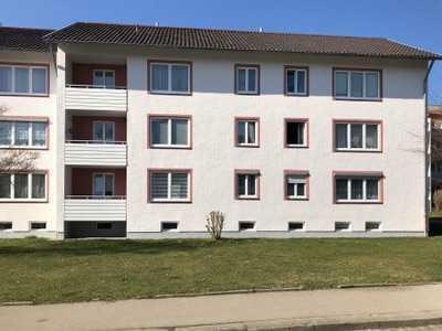 Modernisierte/ Neuwertige 4-Zimmer-Wohnung mit Balkon