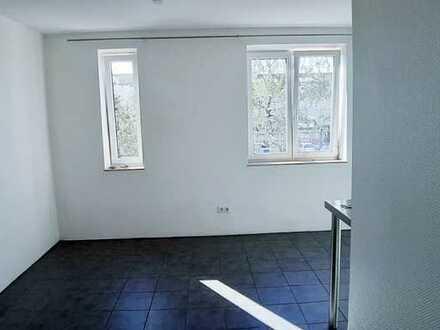 Stilvolle, vollständig renovierte 1-Zimmer-Wohnung in modernisierten Mehrfamilienhaus in Ingolstadt