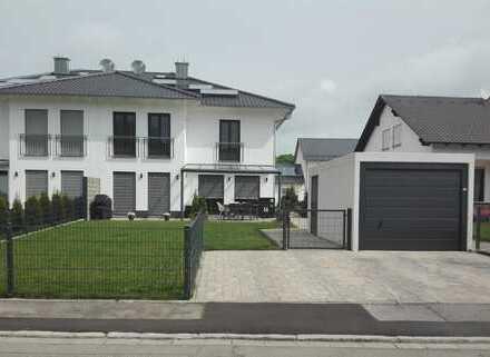 Moderne Doppelhaushälfte Münchsmünster